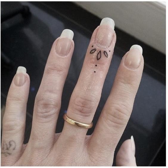 Finger Ornamental