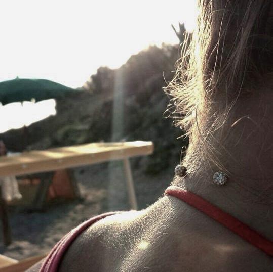 Sparkling Neck